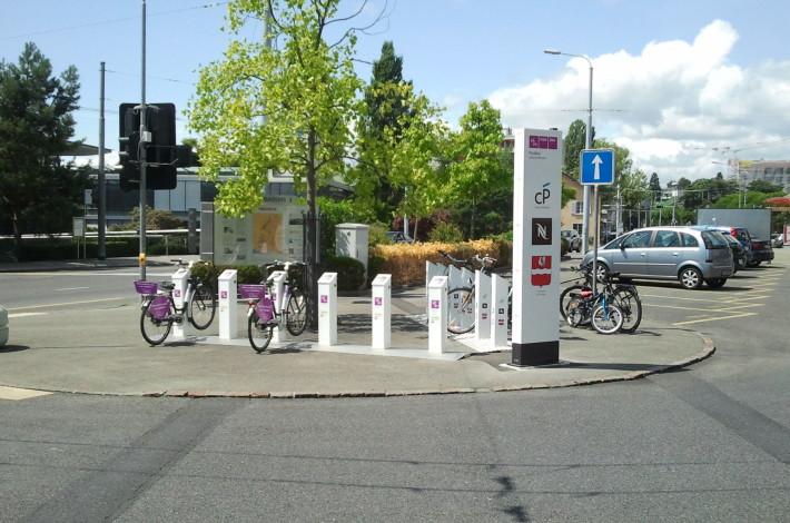 Paudex, Route du Lac - Station vélos libre service © SDEL