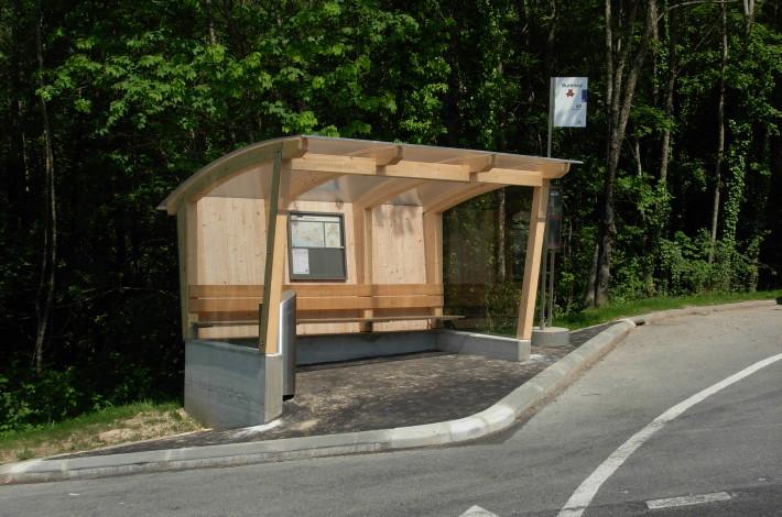 Arrêt de bus de la ligne 49 © Belmont-sur-Lausanne